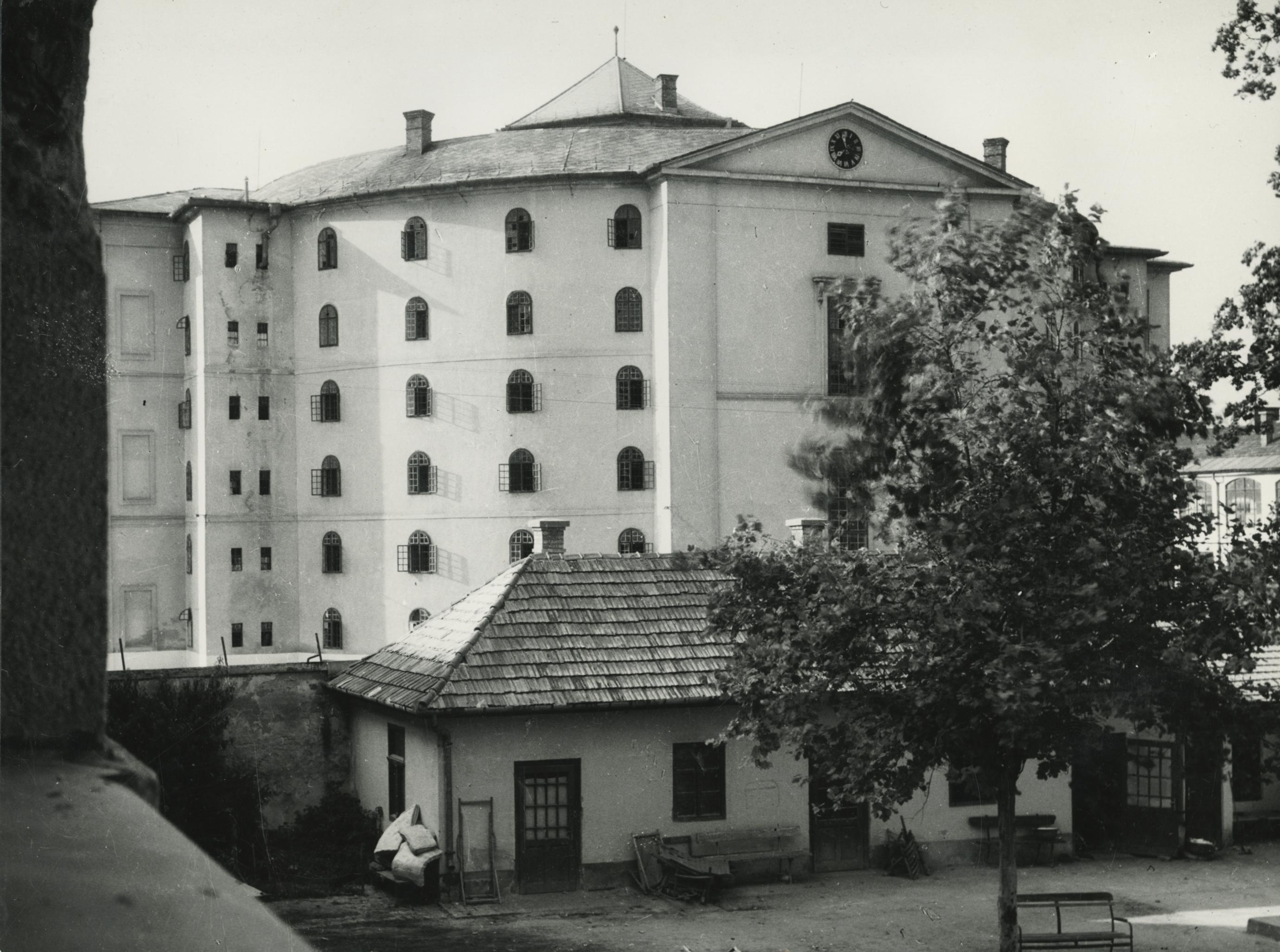 A balassagyarmati Madách utca 2. szám alatti régi börtön épülete