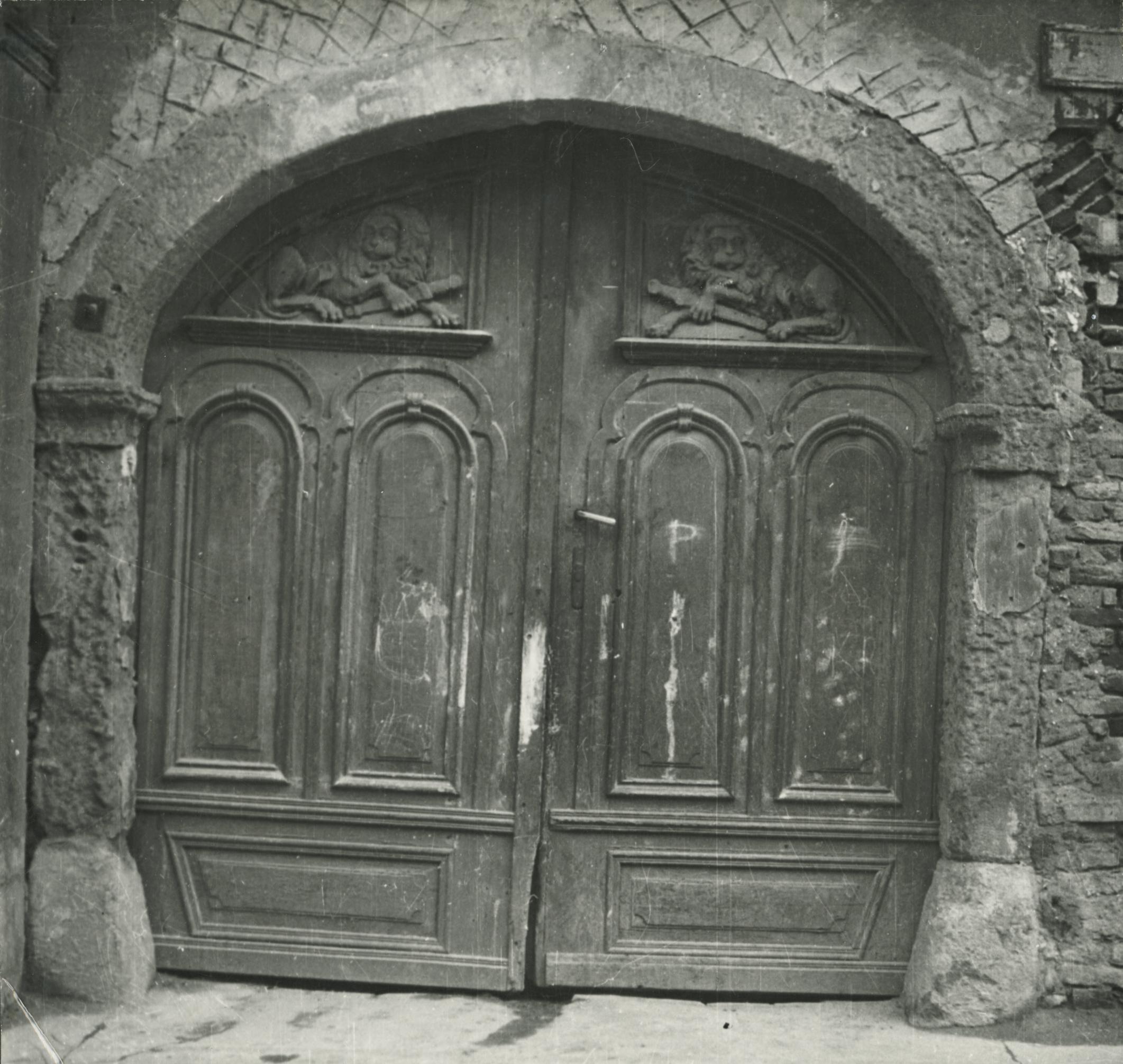 A balassagyarmati Rákóczi fejedelem út 39. szám alatti lakóház kapuja