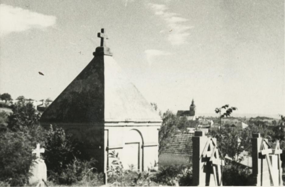 Kilátás a felsőörsi temetőből