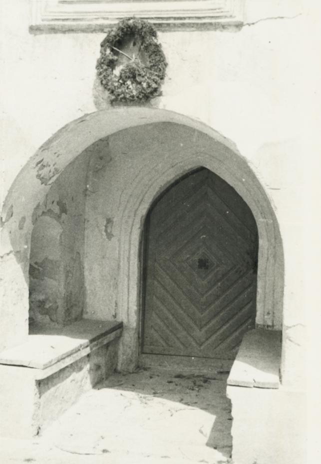 A balatonszőlősi református templom bejárata