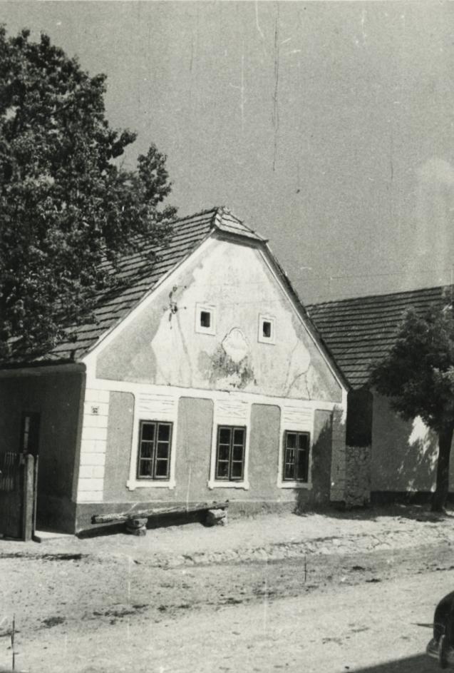 A barnagi Fő utca 57. szám alatti lakóház