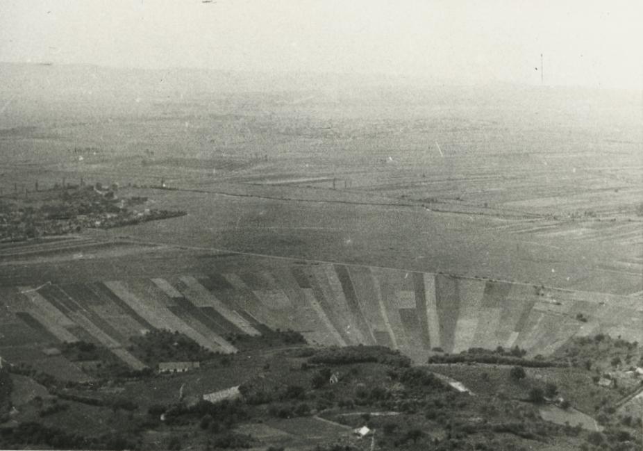 Kilátás a csobánci várból Tapolca felé