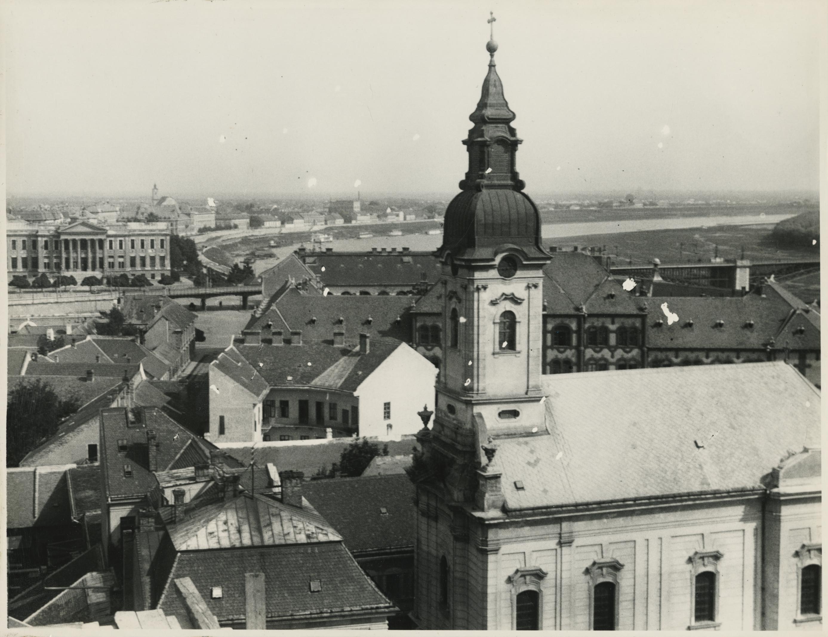 Szeged látképe a Szent Miklós szerb ortodox templommal