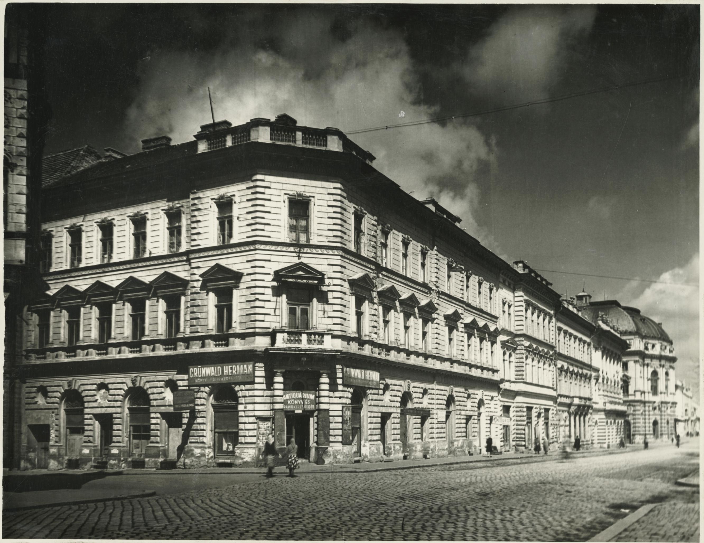 A szegedi Dózsa utca 2-10. épületei