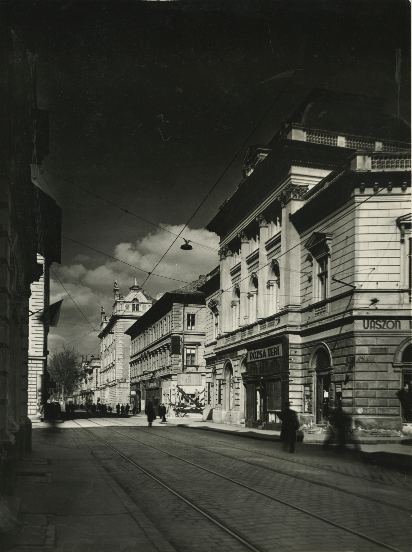 A szegedi Kelemen László utca keleti oldala