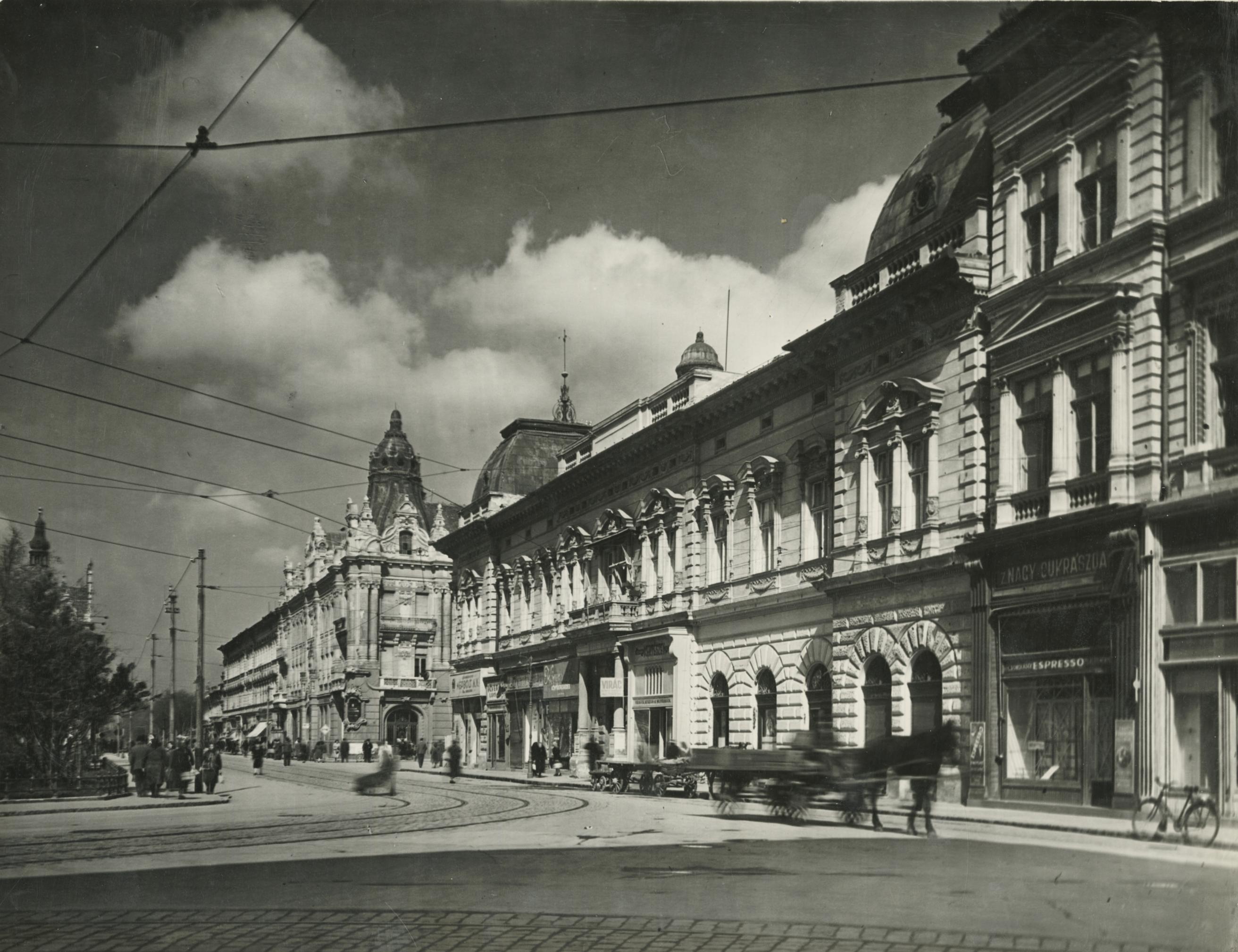 A szegedi városháza északi oldala