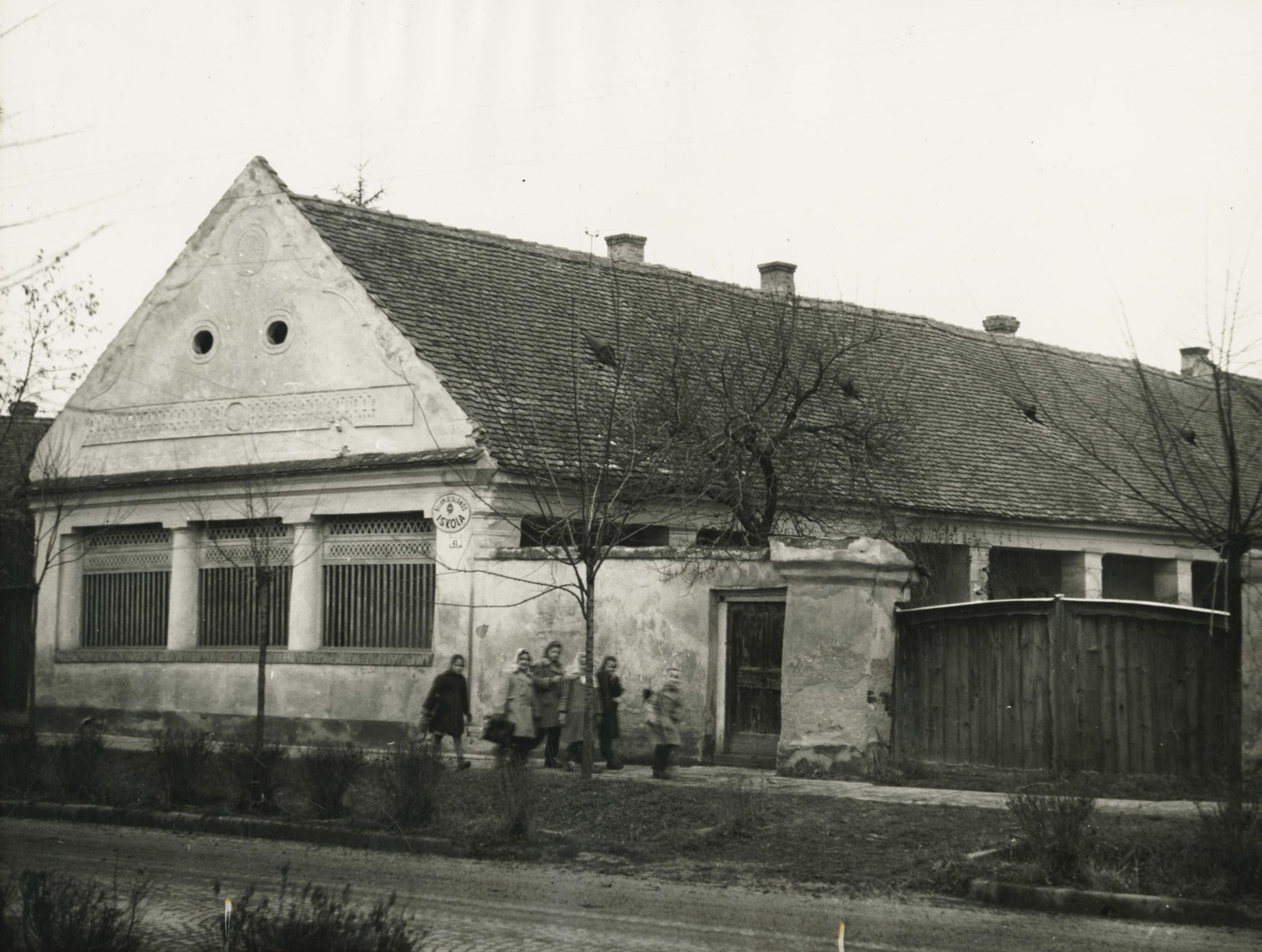 A békési Petőfi Sándor utca 41. szám alatti általános iskola