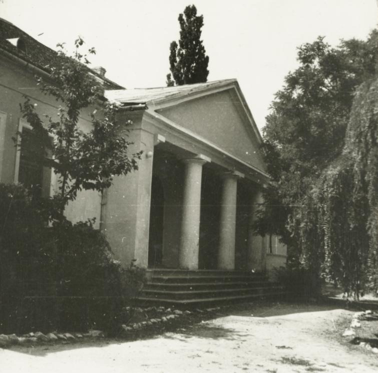 Balatonederics, Svastits-kastély