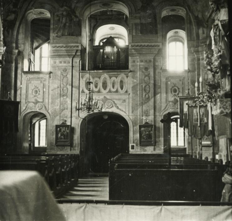 Vörösberény, római katolikus templom hajója és karzata