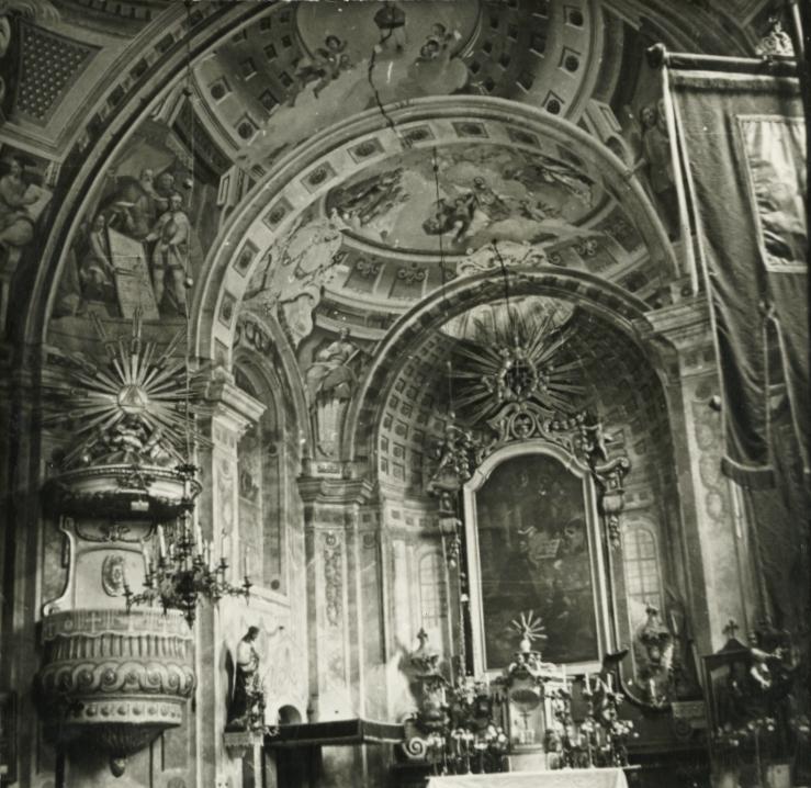 Vörösberény, római katolikus templom szentélye