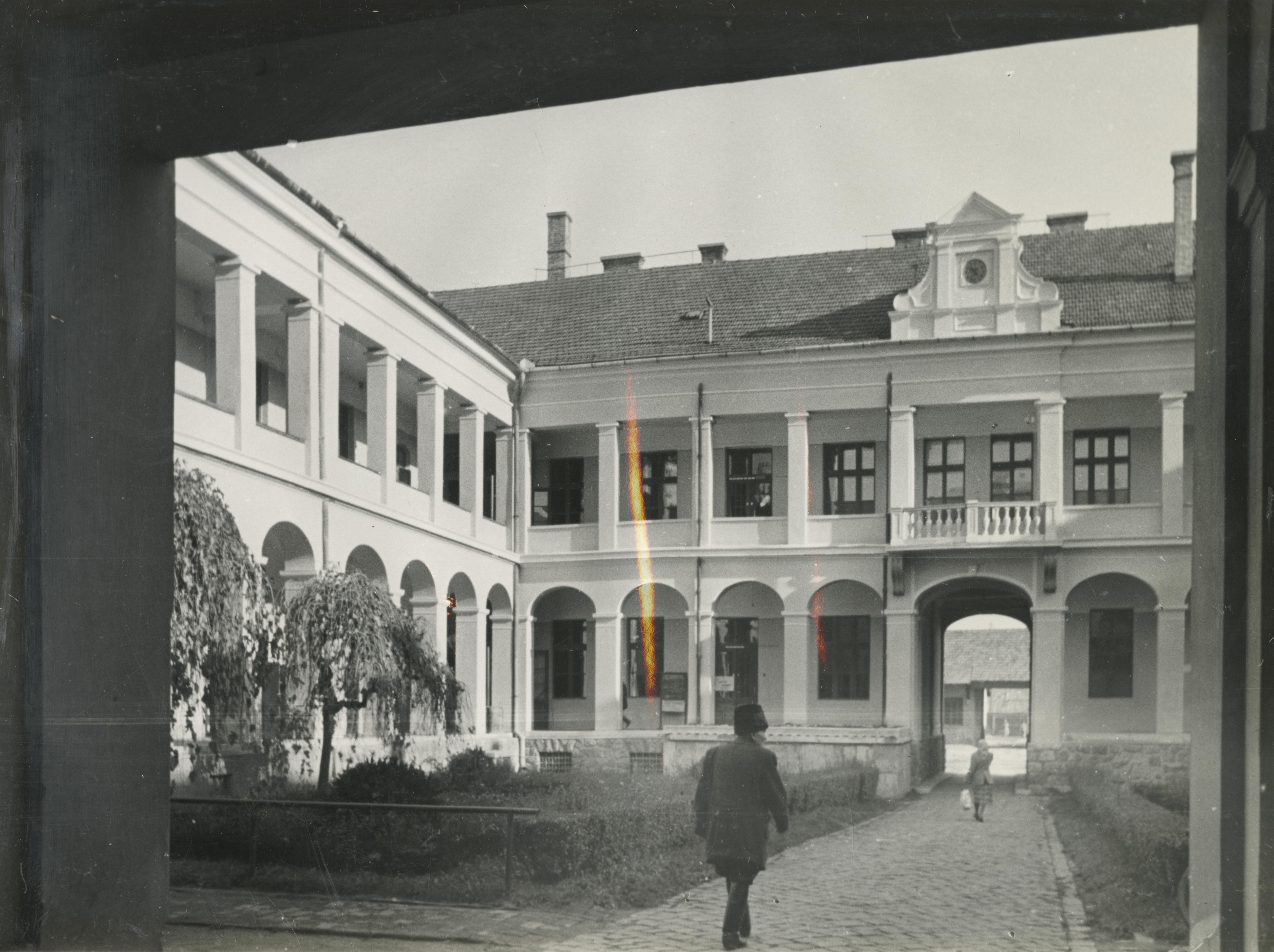A békéscsabai régi tanácsház belső udvara