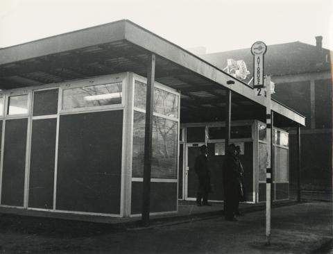 Előregyártott elemekből készült buszmegálló