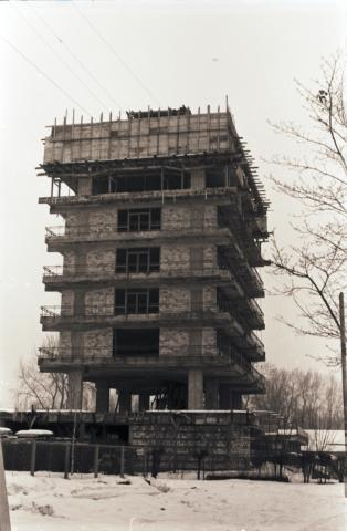 Római-parti csónakház építése