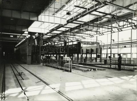 A mátyásföldi Ikarus gyár új festőműhelye