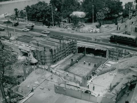 Építési terület látképe a Margit hídon