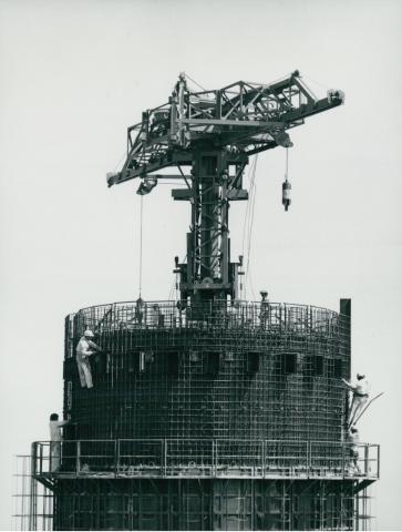 A kékesi tévétorony építése