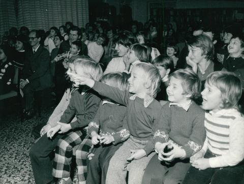 Mikulás ünnepség az FTV Reviczky utcai KISZ-klubjában