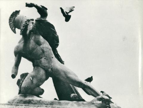 Nagy Sándor harcos szobra a Tuileriák kertjében