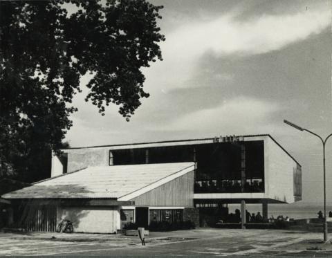 A badacsonyi Tátika Étterem hátoldala az 1960-as években