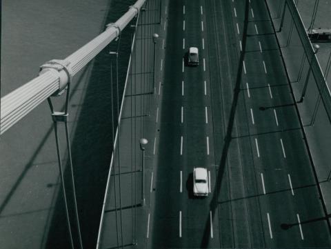 Az Erzsébet híd felfüggesztése