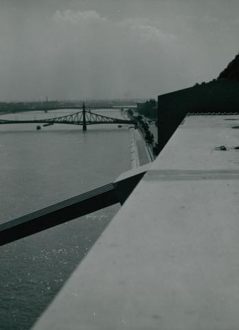 Kilátás az Erzsébet hídról