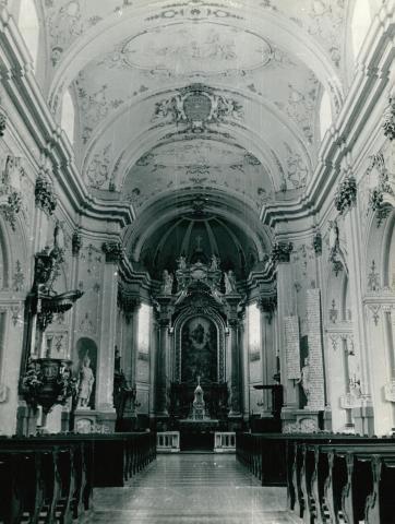 A kalocsai Nagyboldogasszony-főszékesegyház belső tere