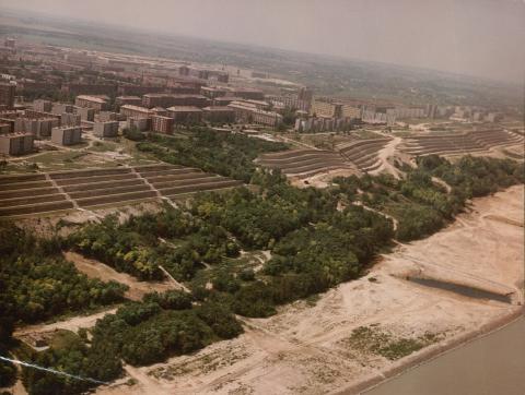 Dunaújváros látképe a Duna felől