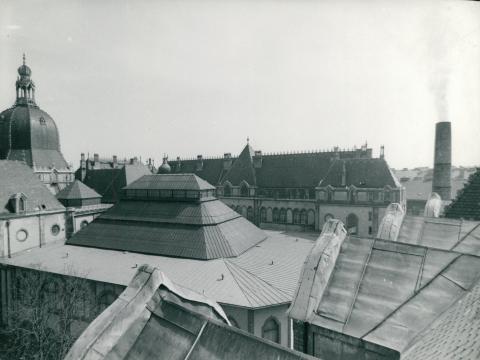 Az Iparművészeti Múzeum teteje