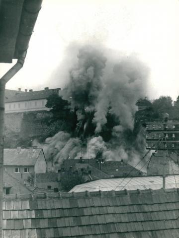 A leszakadt egri Dobó-bástya robbantása