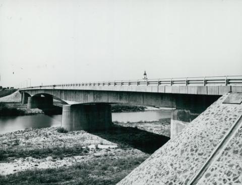 A köröstarcsai Kettős-Körös híd