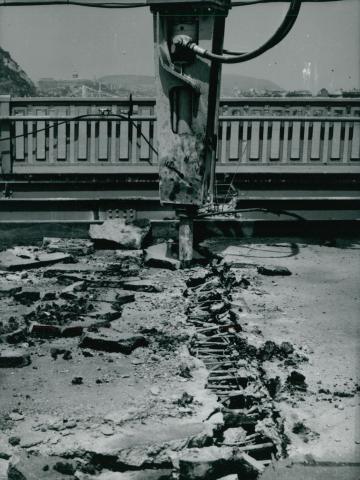 A Petőfi híd felújítása