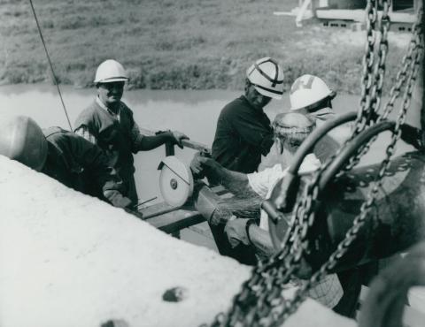 Pillanatkép a körösladányi Sebes-Körös híd építéséről