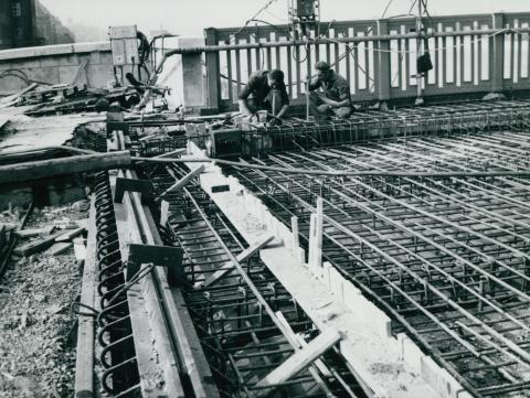 Zsaluzat építése a Petőfi híd tatarozásakor