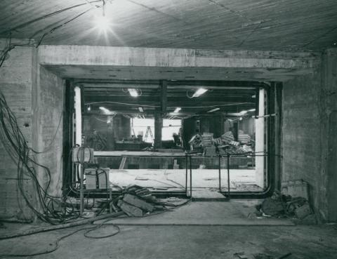 Peron bejárata a 3-as metró Ecseri úti megállójánál