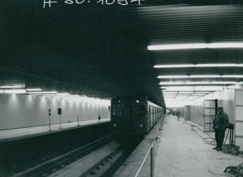 A 3-as metró Pöttyös utcai megállója