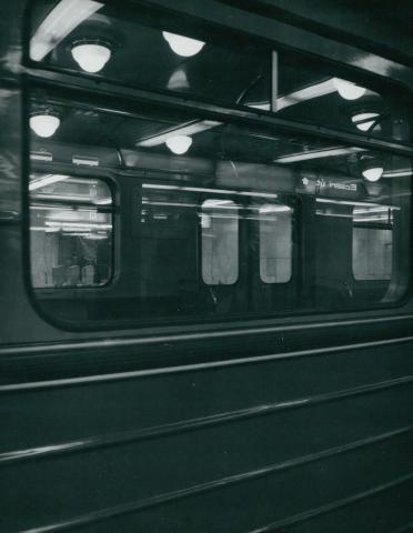 Metrókocsi próbaútja a 3-as metró Ecseri úti megállójában