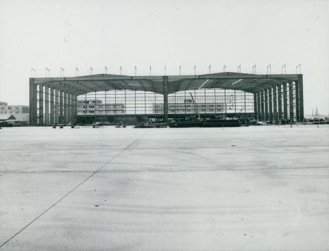 A ferihegyi repülőtér új ikerhangárjának acélváza