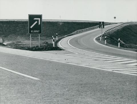 Kijárat az M3-as autópályán