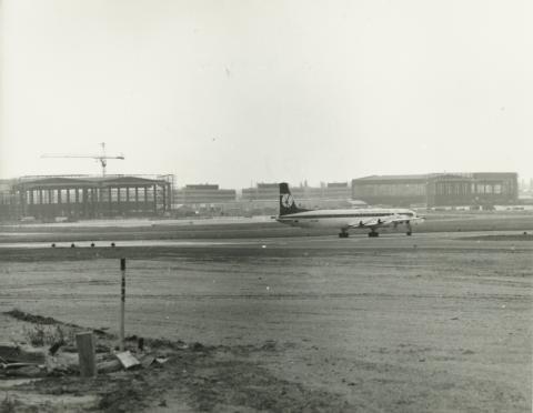 A Ferihegyi repülőtér építése, a kifutópálya alapozása