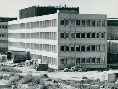 A Ferihegyi repülőtér karbantartó műszaki bázisának egyik épülete