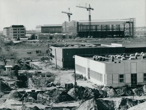 A Ferihegyi repülőtér karbantartó hangárának építése