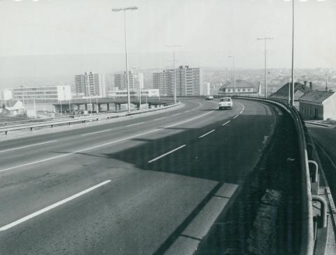 A 25-ös út Eger központján átvezető felüljárójának szakasza