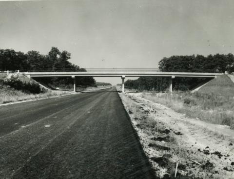 Vértesszőlősi felüljáró az M1-es autópályán