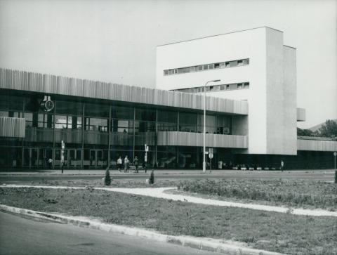 A balatonfüredi vasútállomás fogadóépülete