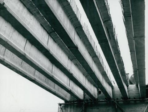 A 44-es főút Körös-hídjának előregyártott tartói