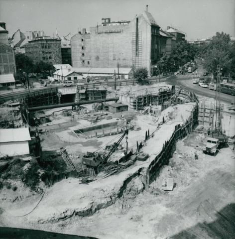 A Kálvin téri metró építése