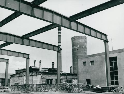 Az IKARUS gyár készülő csarnokának váza