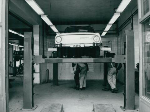 A balassagyarmati AFIT autószerviz műhelye