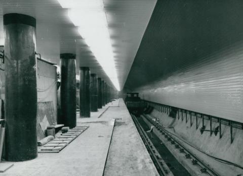 A Deák téri metró mélyállomásának építése
