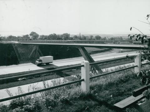 Kilátás az M7-es autópályára a velencei pihenőhelyről